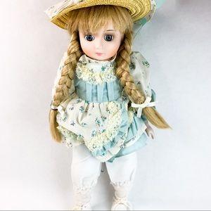 Vintage 1986 Brinn's Collectible Porcelain Doll
